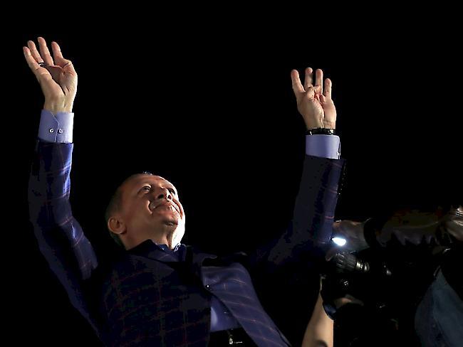 Türken in Deutschland stimmten mit deutlicher Mehrheit für Erdoğans Präsidialsystem