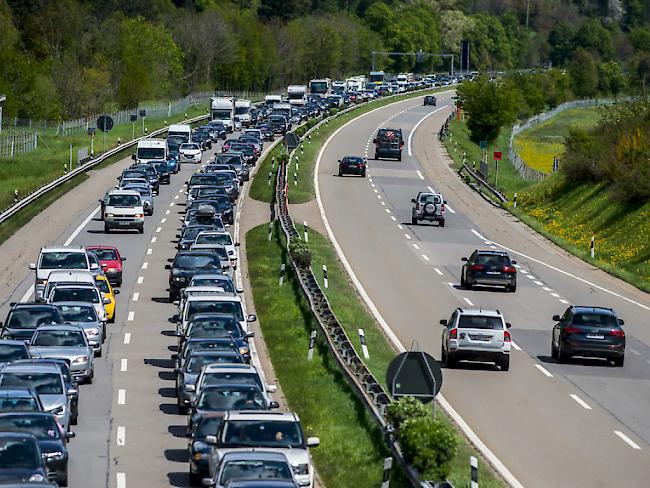 Rückreiseverkehr staut sich am Gotthard-Südportal