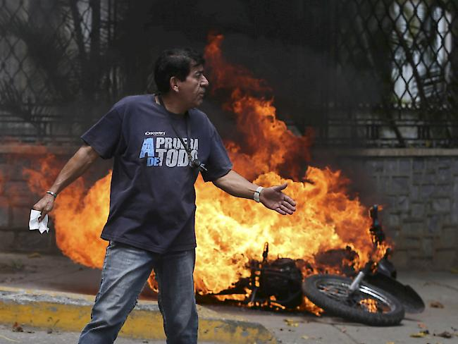 Tote und Tränengaswolken: Lage in Venezuela eskaliert
