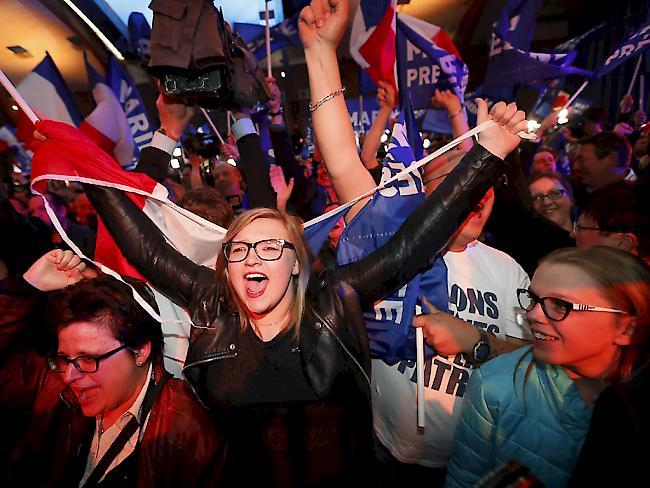 Frankreich: Le Pen legt vorübergehend Vorsitz der Front National nieder