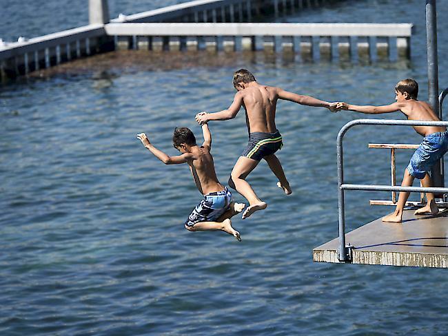 Baden ist in fast allen Schweizer Gewässern unbedenklich