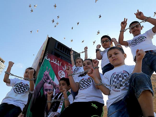 Israel: Hunderte Palästinenser in Haft beenden Hungerstreik