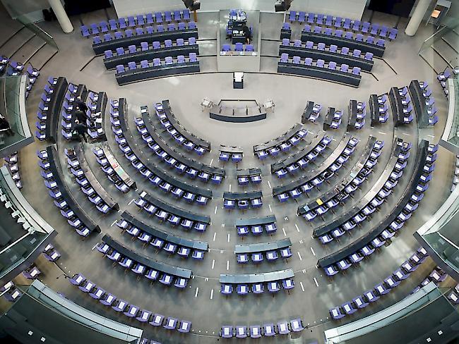 Der deutsche Bundestag hat zahlreiche Gesetzesänderung auf den Weg gebracht So sind Kinderehen und die Majestätsbeleidigung nun pass