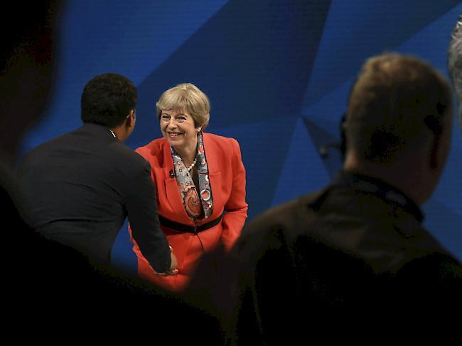 Britische Parteien setzen nach Anschlag Wahlkampf aus
