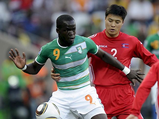 Nationalspieler Tioté bricht im Training zusammen und stirbt