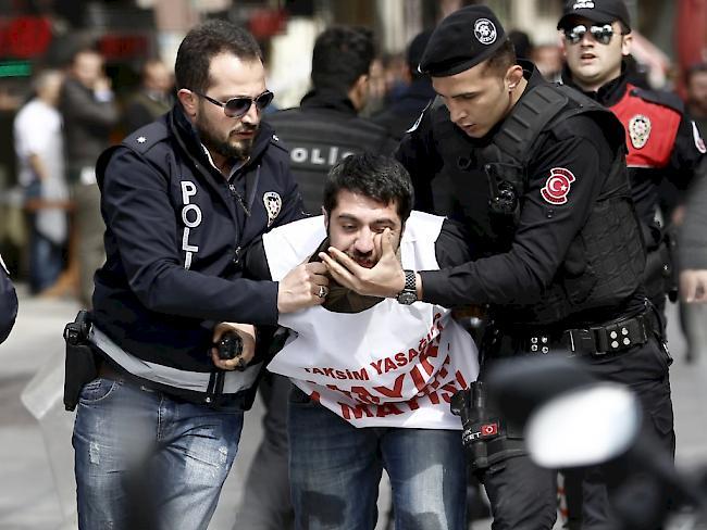 EU besorgt über Festnahme von Amnesty-Chef in Türkei