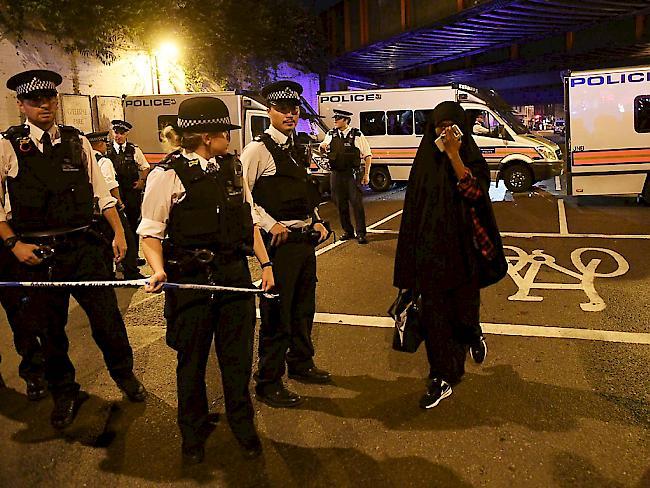 Fahrzeug soll Passanten in London gerammt haben