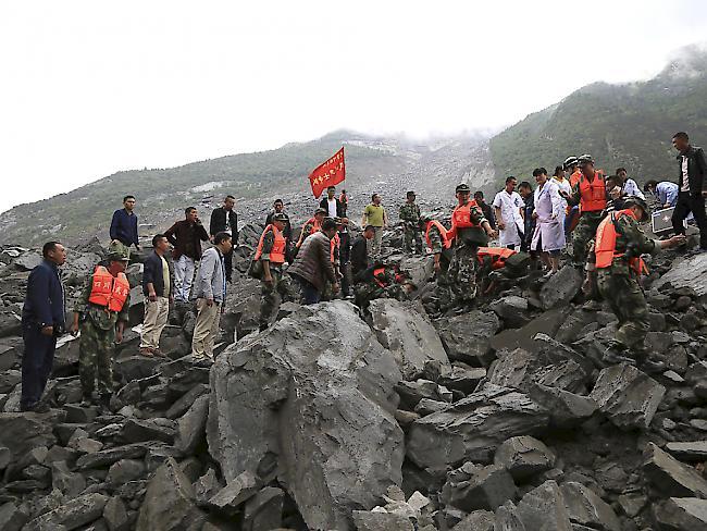 Bergrutsch in China: Mehr als 100 Menschen verschüttet
