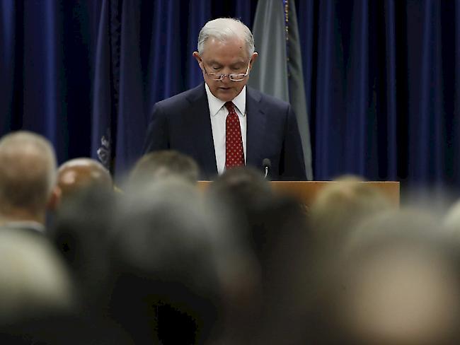 US-Justizminister Jeff Sessions wird sich zu seinem Treffen mit dem russischen Botschafter in Washington während des Präsidentenwahlkampfs 2016 erneut erklären müssen