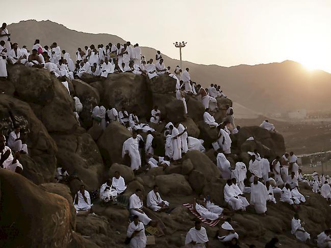 Saudi-Arabien öffnet Grenze für Katarer
