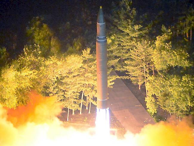 Nordkorea feuert Rakete über Japan - Tokio reagiert