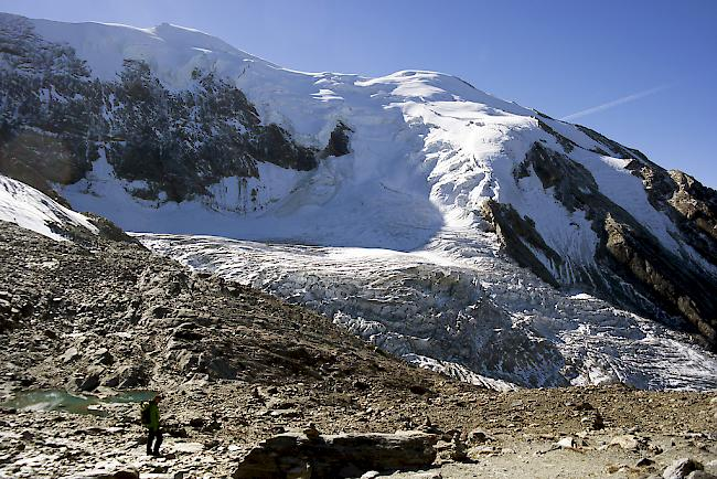 Mit dem Heli über den Abbruch-Gletscher