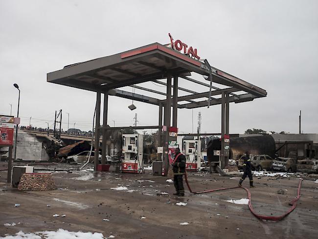 Riesiger Feuerball | Tote bei Tankstellen- Explosion in Ghana