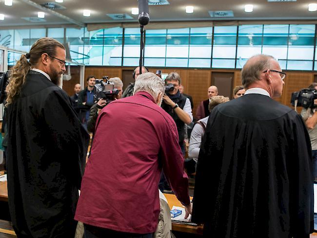 Schweizer Angeklagter gibt in Spionageprozess Bespitzelung zu