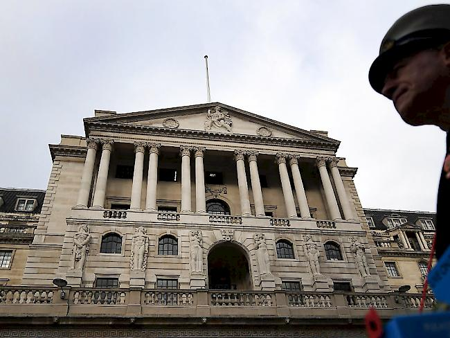 Bank of England hebt Leitzins auf 0,5 Prozent