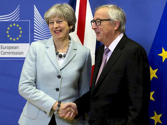 Morgendliches Treffen der britischen Regierungschefin May und EU-Kommissionspräsident Juncker in Brüssel