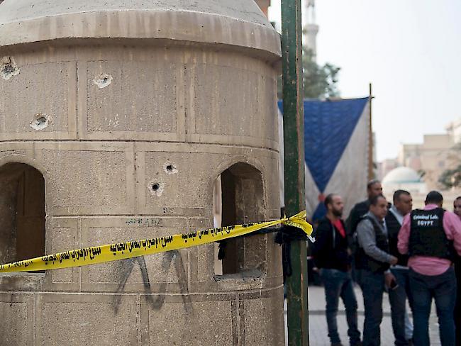 Einschusslöcher an der koptischen Kirche in Helwan