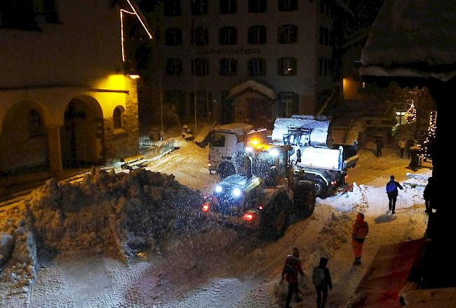 Lawinengefahr: 13 000 Touristen sitzen in Zermatt fest